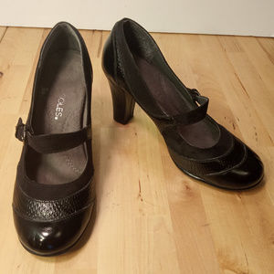 Aerosoles Roler Rink Black Mary Jane Heels 6M